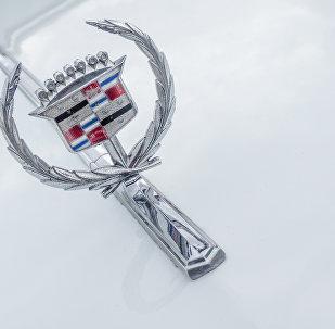 Лагатып Cadillac