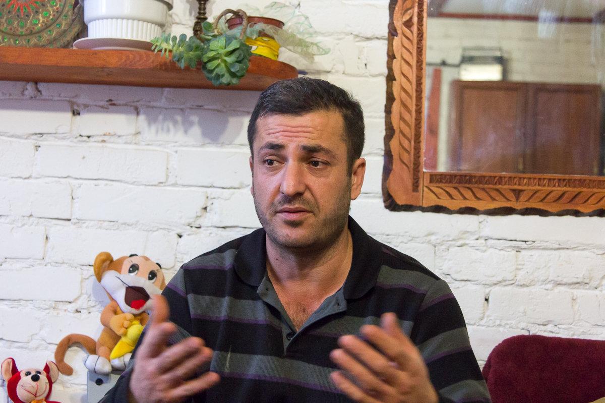 Четыре года назад Экрем оставил бизнес в Стамбуле и переехал в деревню Сигневичи Березовского района ради своей возлюбленной