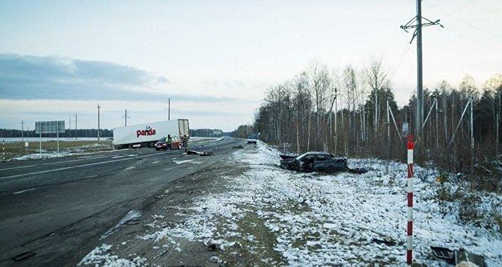 Авария наМКАД: шофёр при транспортировке рабочих заснул зарулем