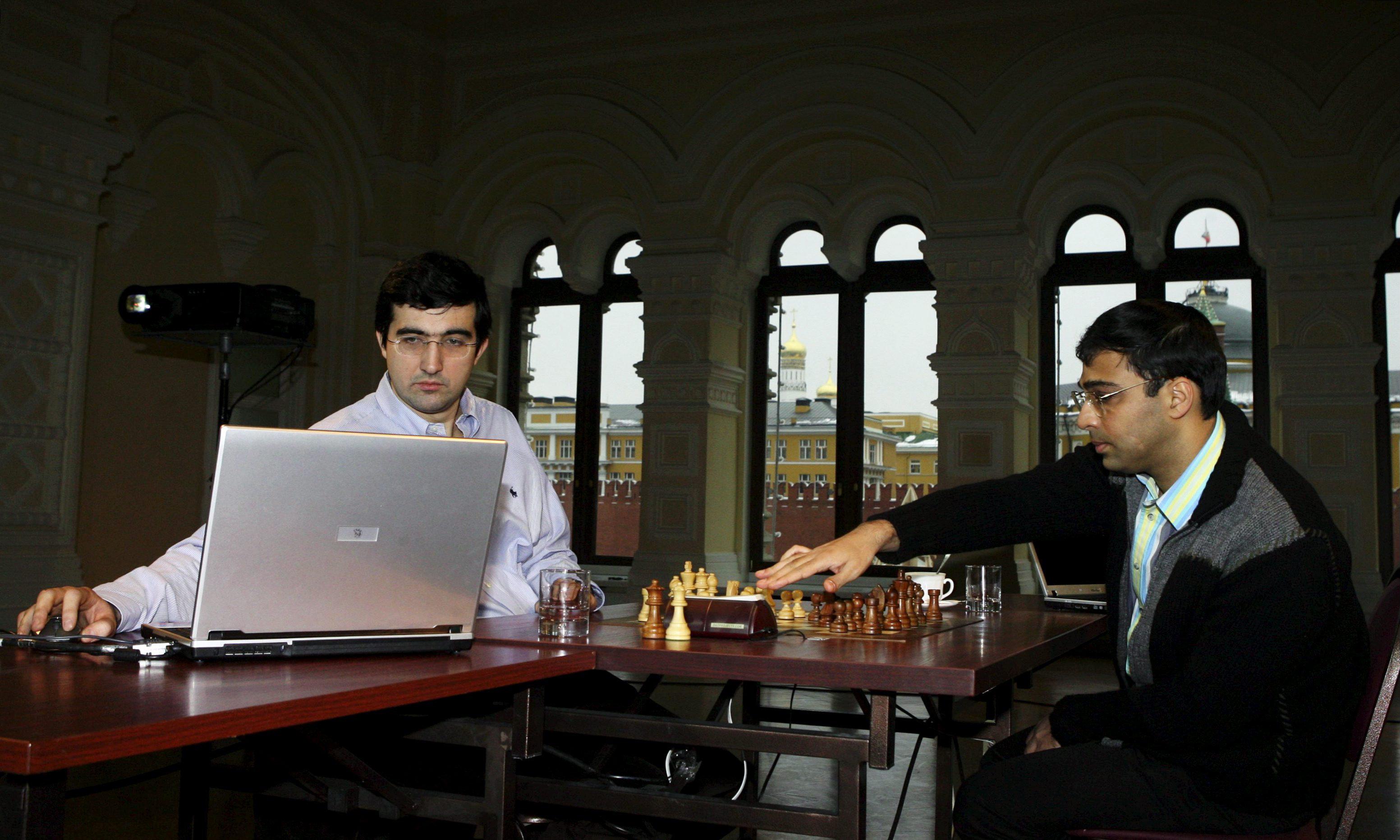 Шахматный матч между В.Анандом и В.Крамником
