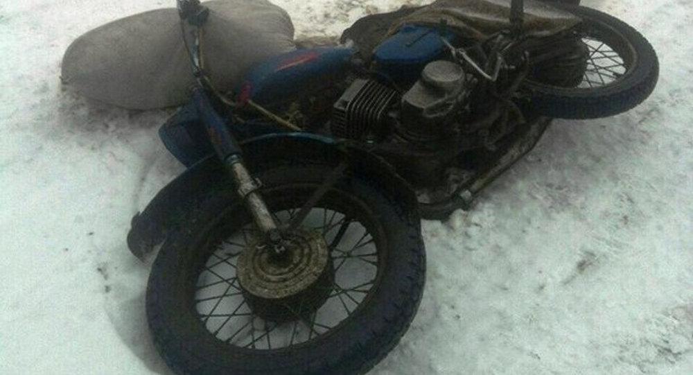 ВКобринском районе умер врезавшийся в грузовой автомобиль мотоциклист