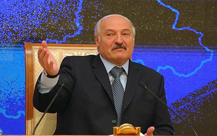 Лукашенко заявил о попытках оппозиции при поддержке с Запада нагнетать ситуацию в стране