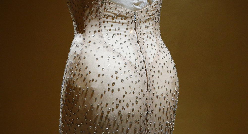 ВСША выставят на реализацию золотые часы легендарной Мэрилин Монро| мерелин монро