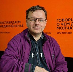 Пісьменнік Андрэй Жвалеўскі
