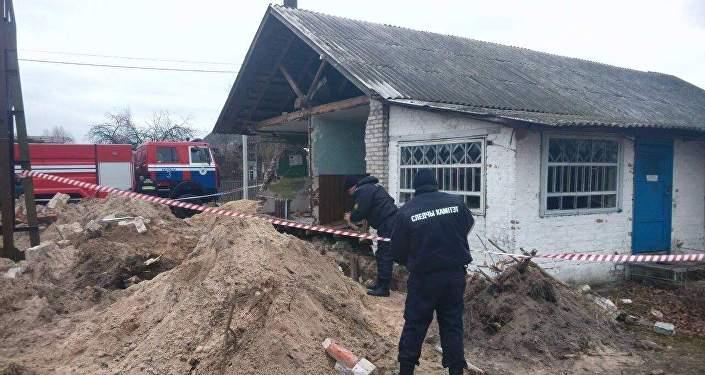 Следователи работают на месте происшествия в Речицком районе