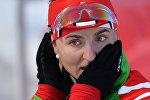 Людмила Калинчик (Беларусь) на дистанции эстафетной гонки в соревнованиях по биатлону среди женщин на XXII зимних Олимпийских играх в Сочи