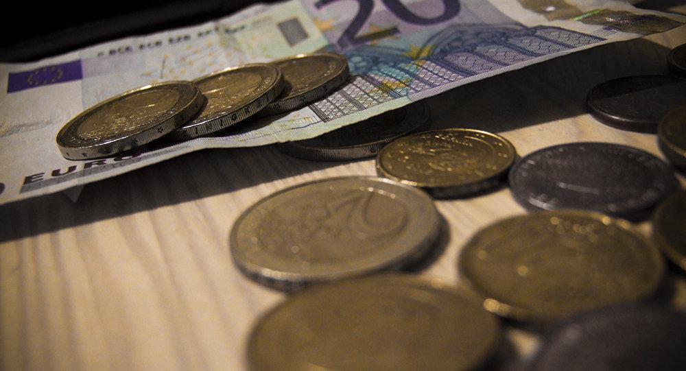 Доллар США иевро вновь пошли врост