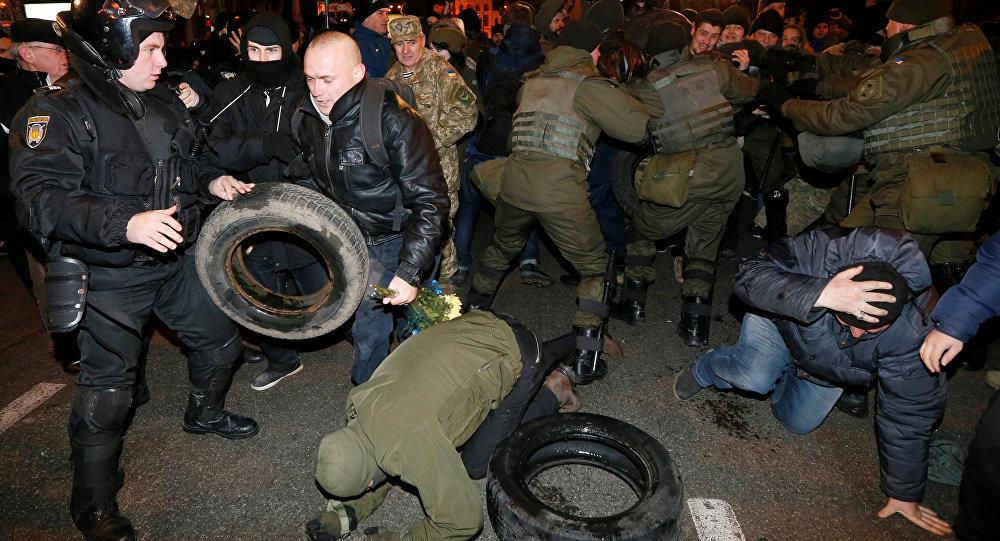 Тысячи украинцев выйдут намитинги вКиеве