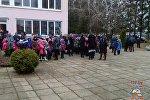 Эвакуация детей из школы в деревне Старое Село