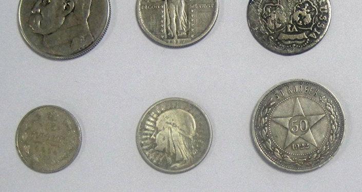 000 долларов отыскали минские пограничники вписьме изсоедененных штатов