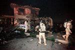 Саперы на месте взрыва на АЗС возле Багдада