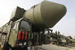 Демонстрация ракетного комплекса Тополь-М на подмосковном полигоне Алабино
