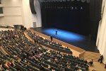 Владимир Соловьев выступает во Дворце республики в Минске