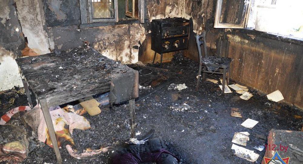 Двое взрослых ичетырехлетний ребенок погибли впожаре вСлонимском районе
