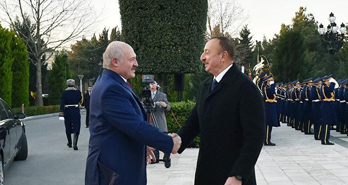 Лукашенко: между республикой Белоруссией иАзербайджаном установлены крепкие, фундаментальные отношения