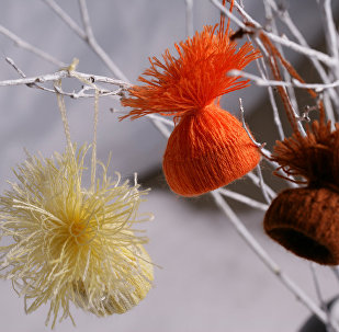 Веселые шапочки - новогодние украшения