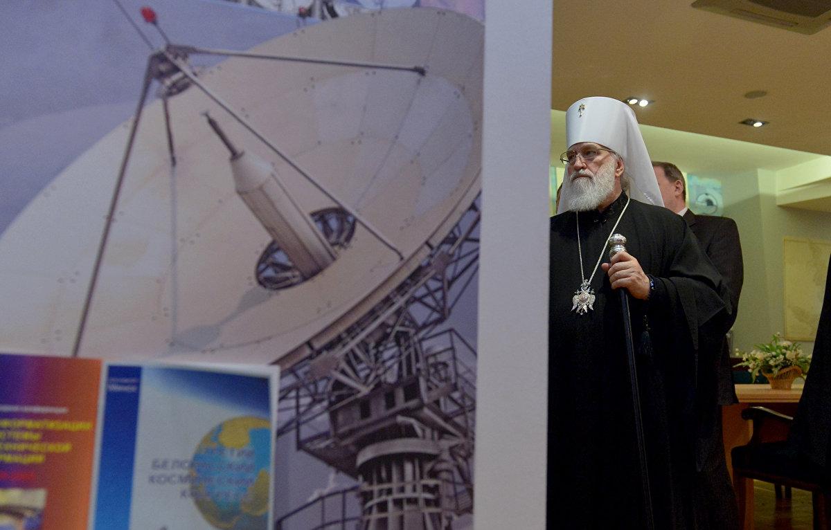 Экскурсовод подробно рассказала предстоятелю БПЦ о космических достижениях белорусских ученых
