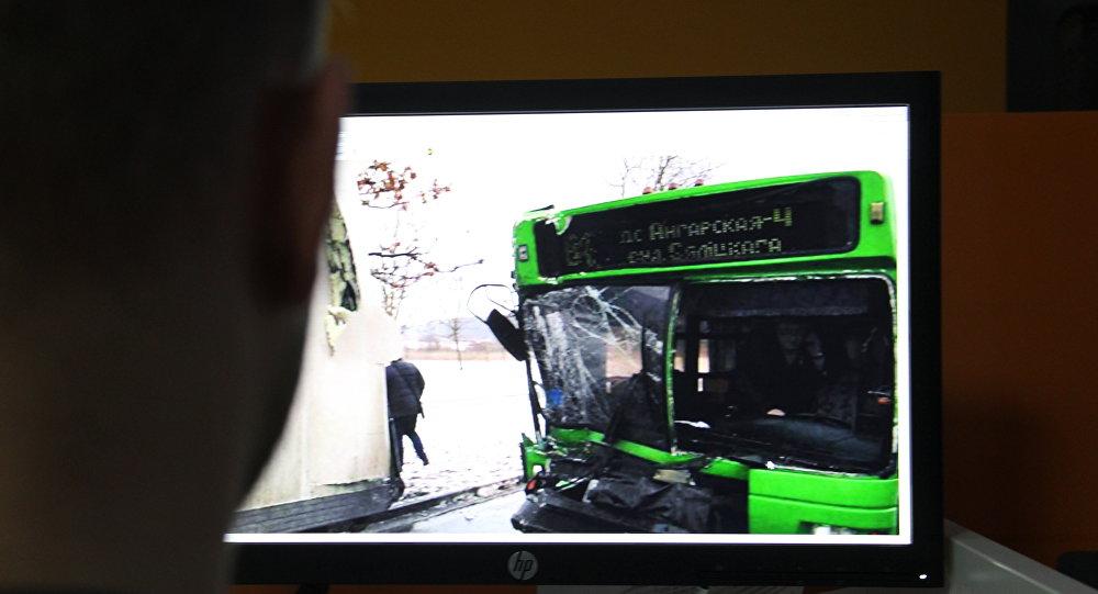 ДТП с участием автобуса МАЗ и фуры