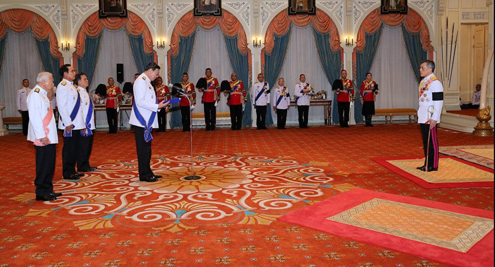 Маха Ватчиралонгкон провозглашен королем Таиланда