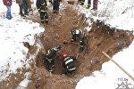 Спасатели окопали тело погибшего искателя металла