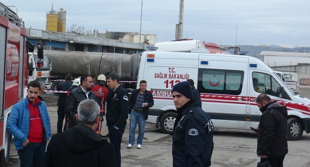 Взрыв на бензовозе произошел вблизи стамбульского района Бююкчекмедже, есть жертвы