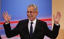 Избранный президент Австрии Александр Ван дер Беллен