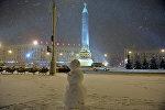 Снегавік на плошчы Перамогі ў Мінску