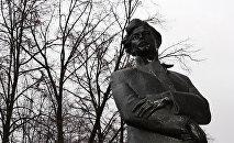 Памятник Максиму Богдановичу в Минске, архивное фото