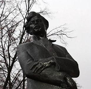 Акция к 125-летию Богдановича: студенты в городе читали стихи поэта