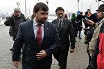 Представитель ЛНР Владислав Дейнего и представитель ДНР Денис Пушилин в Минске