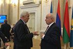 Исполнительный секретарь СНГ Сергей Лебедев и посол России в Беларуси Александр Суриков