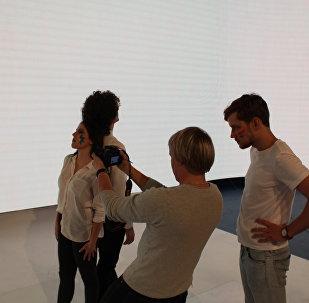 Група Navi і рэжысёр Юрый Ярошык на здымках візітак