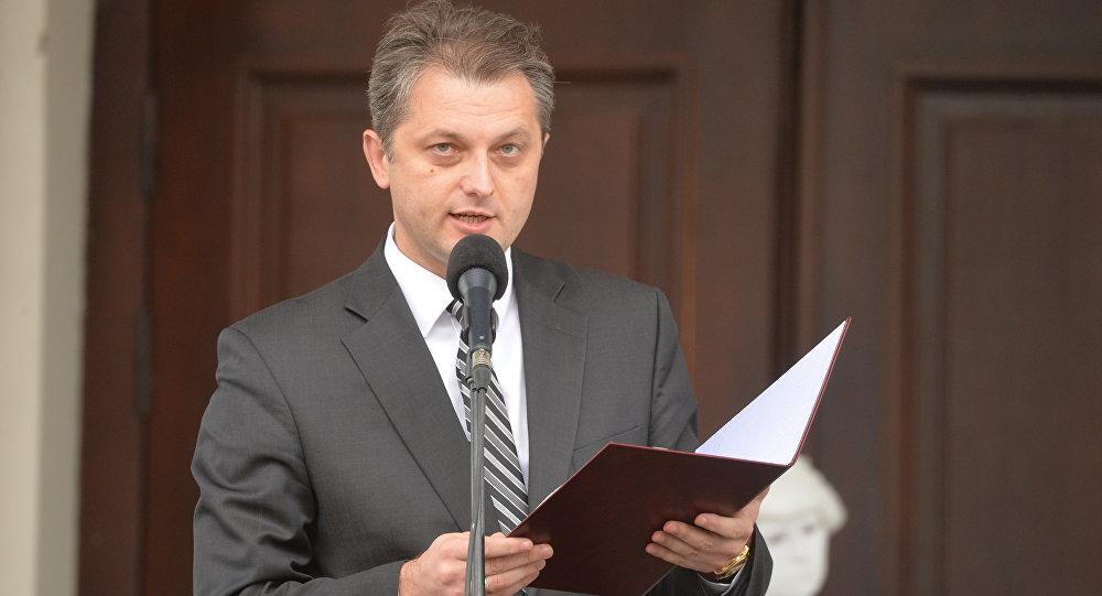 Бузовский освобожден отдолжности заместителя руководителя Администрации президента