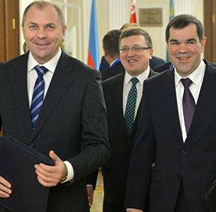 Председатель Следственного комитета Иван Носкевич (слева), председатель КГБ Валерий Вакульчик (справа), председатель ГКНТ Александр Шумилин (в центре)