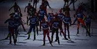 Спортсмены на дистанции на трассе в Тюмени, архивное фото