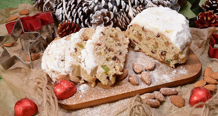 Рождественский кекс Штоллен