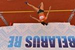 Прыжки в высоту в ТЦ Столица