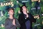Актеры Александр Головин и Александр Домогаров мл. (справа) на премьере фильма Елки 5