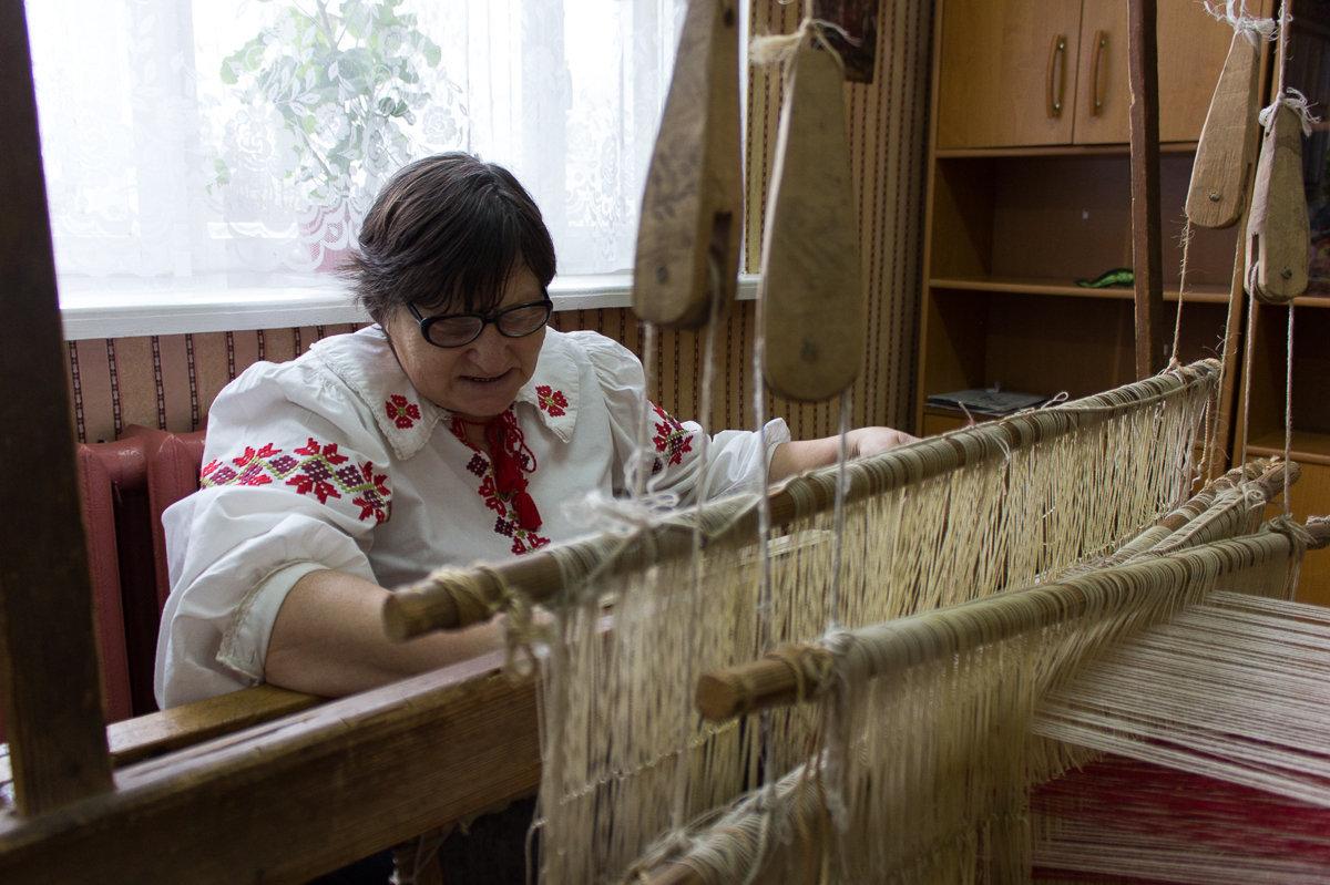Способ, которым владеет народный мастер, существует лишь в нескольких деревнях Каменецкого района
