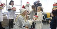 Відэафакт: елка для дзяцей з перасаджаным органамі прайшла ў Мінску