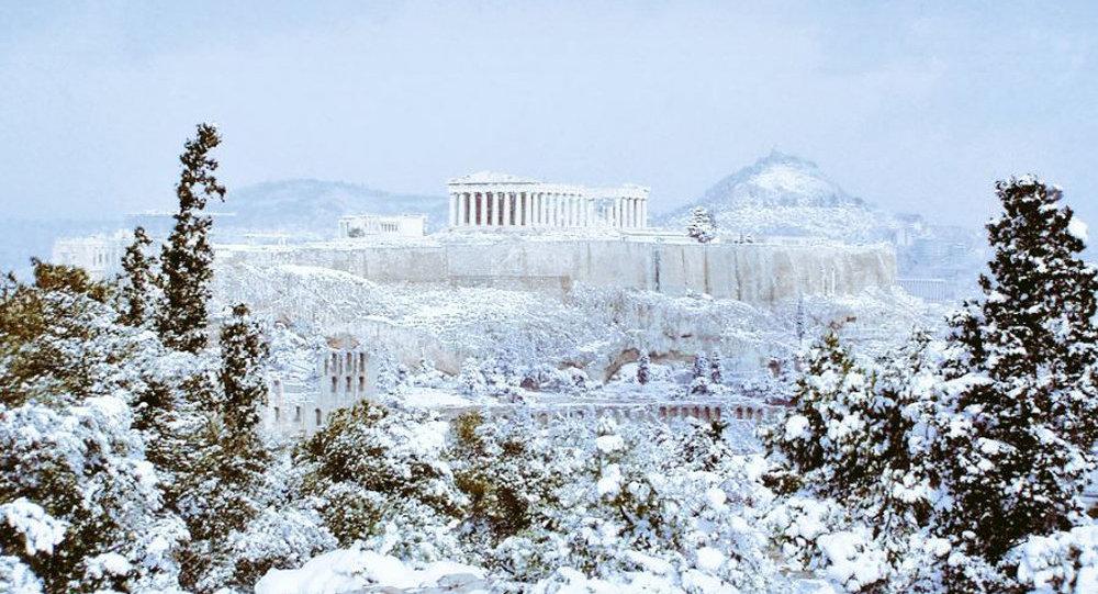 Афины вснегу: Всю ночь вгороде продолжался снегопад