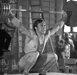 Валерий Шарий на первенстве СССР по тяжелой атлетике