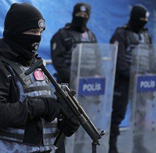 Паліцэйскія на месцы тэракту ў Стамбуле