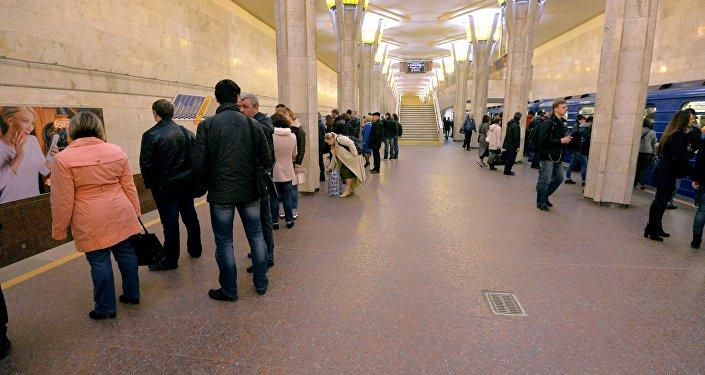 Станция метро Октябрьская