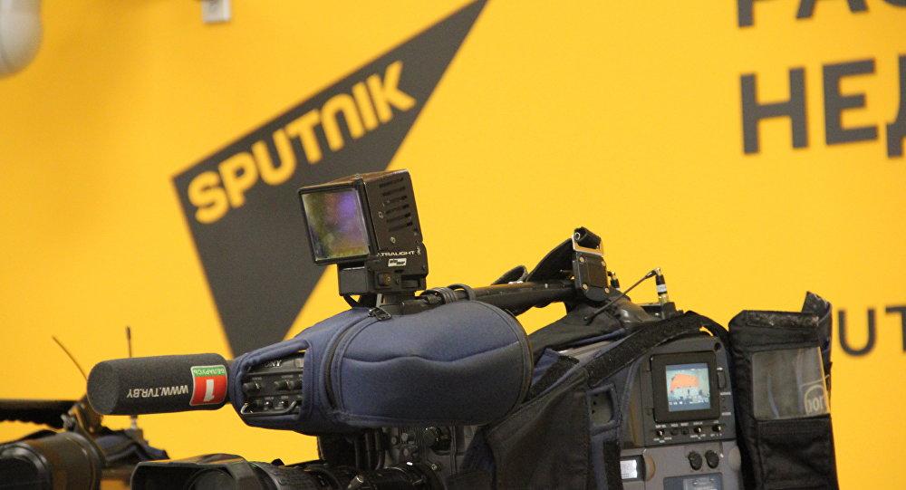 Телекамеры в пресс-центре Sputnik