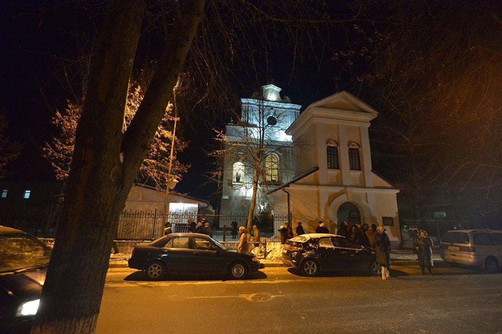 Свято-Варваринский кафедральный собор в Пинске (Брестская область) во время Рождественской литургии