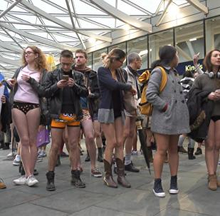 Дзень без штаноў - як штогадовы флэшмоб прайшоў у Лондане і Берліне