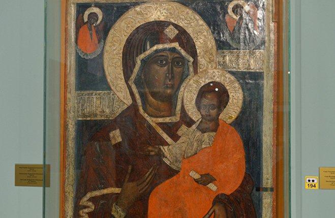 Икона Богоматери Одигитрии Смоленской ХVI века; дерево, темпера