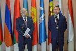 Исполнительный секретарь СНГ Сергей Лебедев (слева) и глава МИД Беларуси Владимир Макей