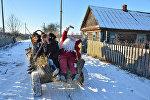 Жыхары вёскі Пагост у Гомельскай вобласці на калядных гуляннях